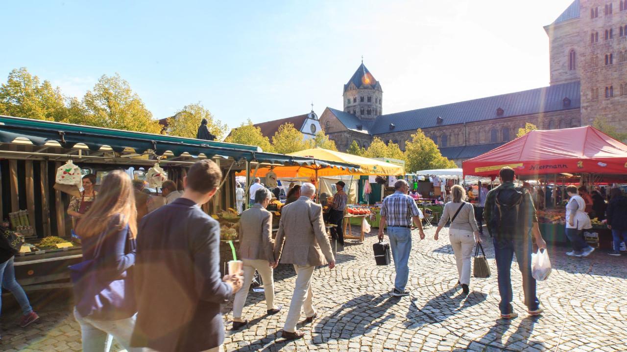 Wochenmarkt am Dom