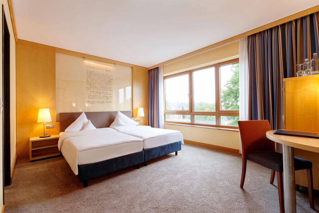 Vienna House Remarque Suite