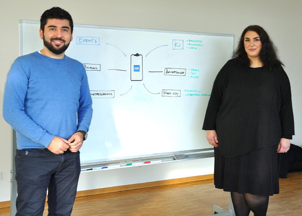 Bilal Erkin und Mareike Ehrnst sind auf gutem Weg, ihre Idee für eine Freizeit-App für Osnabrück vom Whiteboard in die Realität zu führen.
