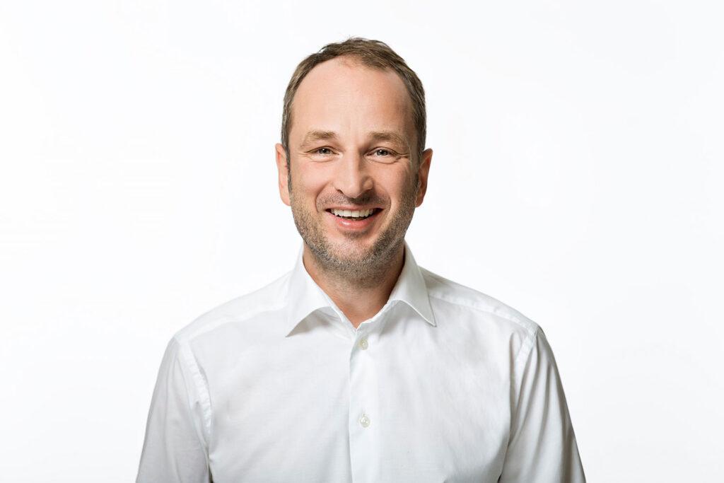 Der Osnabrücker Unternehmer Karsten Wulf (Geschäftsführender Gesellschafter zwei.7.Holding GmbH) gehört zu den Initiatoren des Charity Dinners. Foto: Jette Golz