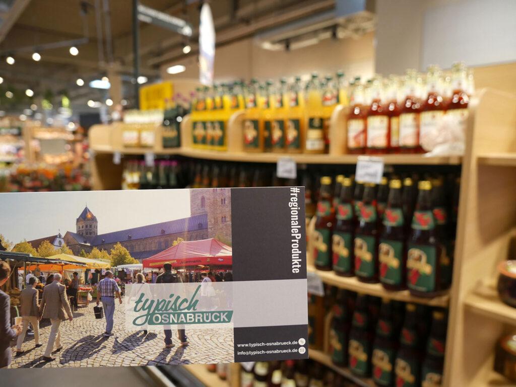 Flyer informieren zu den Vorzügen regionaler Produkte und verweisen auf die weiterführende Internetseite ww.typisch-osnabrueck.de