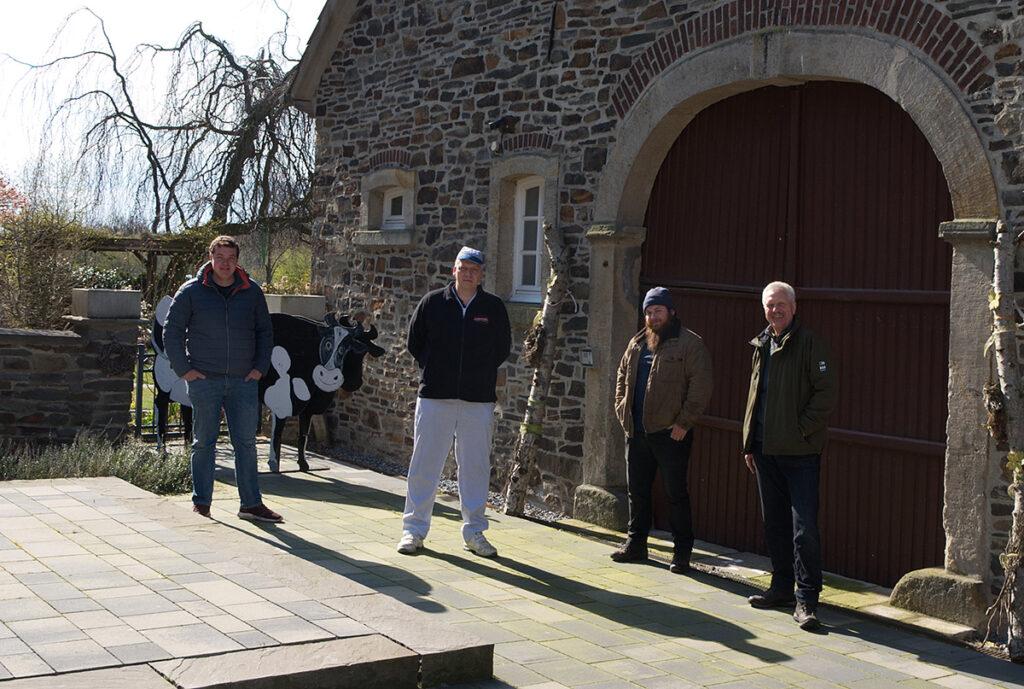 Philip Dellbrügge (Obstbau Dellbrügge), Andreas Witte (Fleischerei Witte), Golo Martin (Golo Honig) und Uwe Lauwerth (Lauwerths Natursäfte) sind ebenfalls dabei.